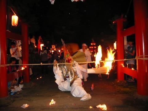 中尾区「八幡宮の夏祭り」、「猿田彦命」勇壮な舞。